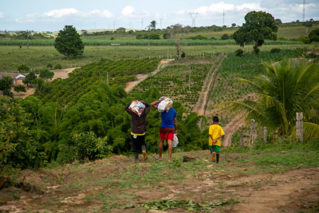 Prefeito visita comunidades rurais em situação de vulnerabilidade e leva equipe técnica para atender demandas da população